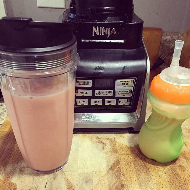 Strawberry peach greek yogurt smoothies after my #Piyo workout and…